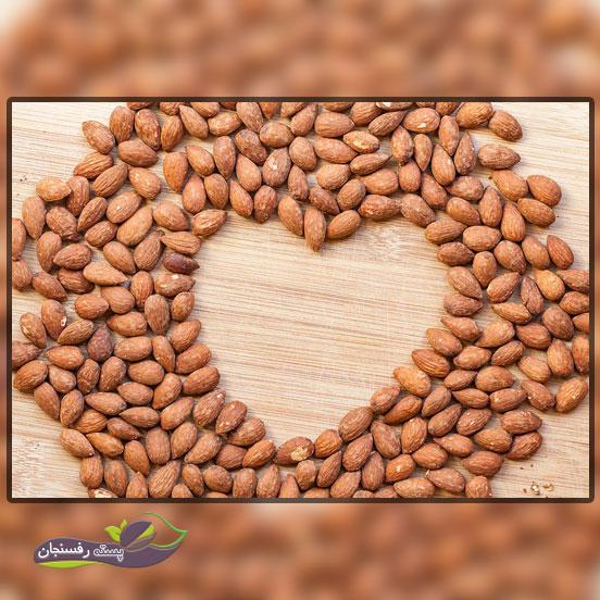 کاهش کلسترول با مصرف بادام